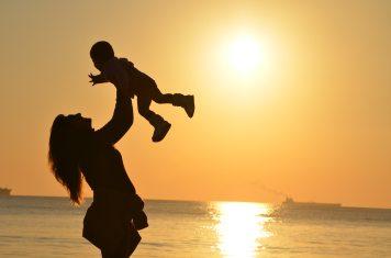 baby-beach-child-51953.jpg